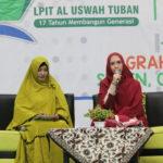 Oki Setiana Dewi menyampaikan materinya kepada peserta dalam acara Al Uswah Fest 2020 di Graha Sandiya (Foto Admin/2020)