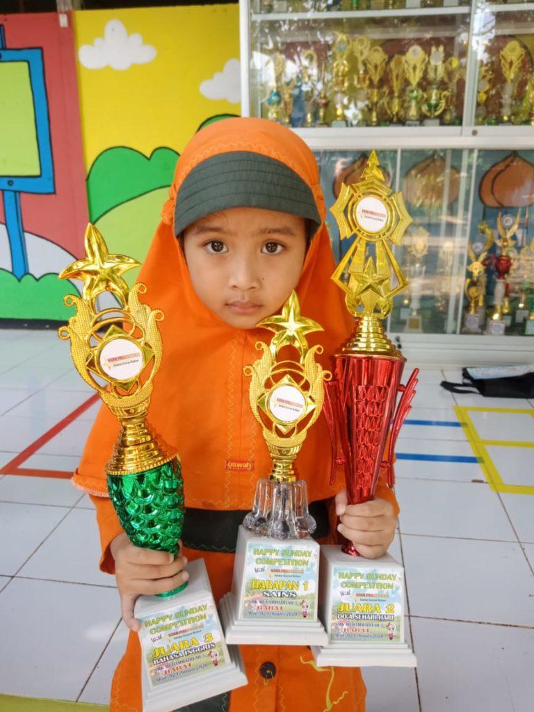 Naila Erlianda Ramadhan meraih 3 penghargaan (Foto: Humas/2020)