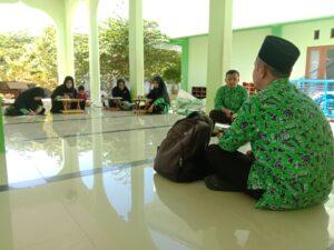 Pembinaan rutin guru Al-Qur'an SMAIT Al Uswah Tuban (Foto: Admin/2020)