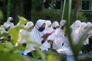 Suasana doa bersama dan santunan anak yatim piatu (Foto: MC/2020)