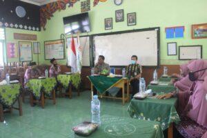 Monev LPMP Jawa Timur ke SDIT Al Uswah (2) (Foto: Humas/2020)