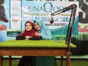 Ustazah Lilis bersama putri sesuai ujian munaqosyah tahfiz (Foto: MC/2021)