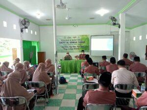 Rapat kerja SMPIT Al Uswah Tuban hari pertama (3) (Foto: Naim/2021)