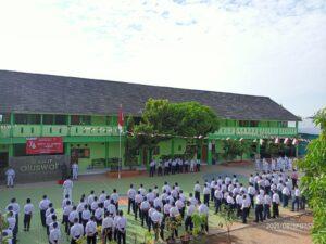 Peserta upacara (Foto: Naim/2021)