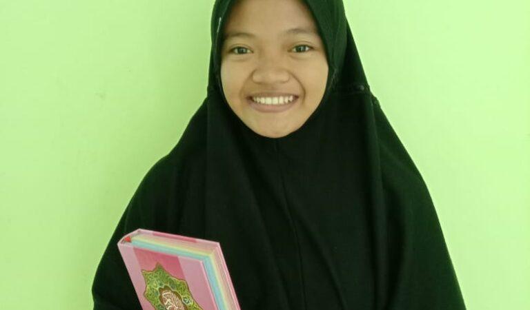 Zakiyyah Fi Rahmatillah Tuntas 30 Juz di Kelas X SMAIT Al Uswah Tuban