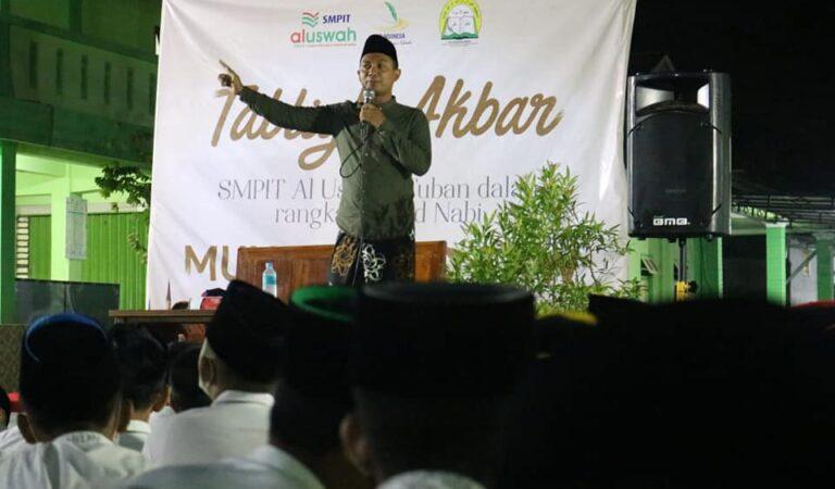 Memperingati Maulid Nabi Muhammad SAW di Al Uswah Tuban