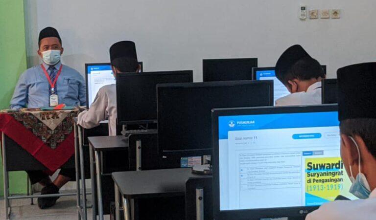 SMPIT Al Uswah Tuban Sukses Gelar ANBK Mandiri